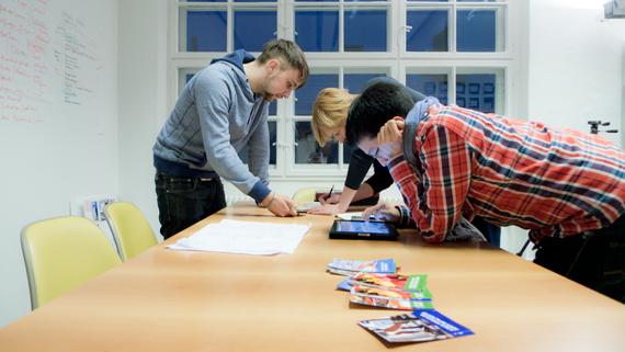Arbeiten bei think moto: Junior Visual Designer gesucht