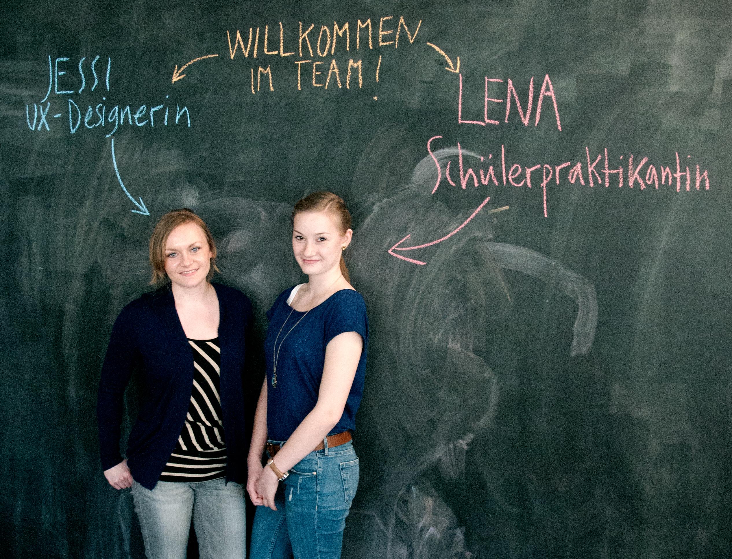 Herzlich Willkommen im think moto Team, Jessi und Lena!